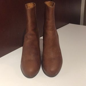 VINCE brown leather hi-heel boots sz.6